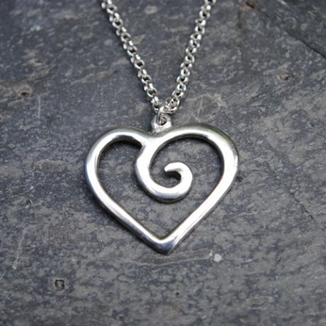 Spiral heart pendant necklace P23
